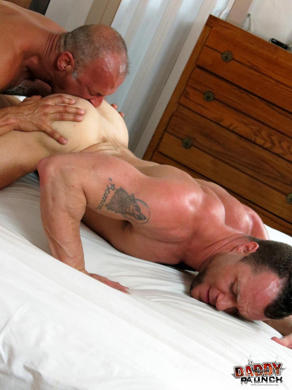 Sucking muscle jock fucks