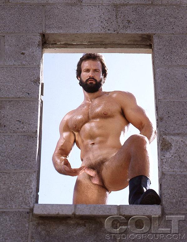 Mature muscleman porn
