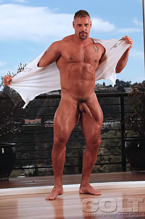 Mature bodybuilder porn