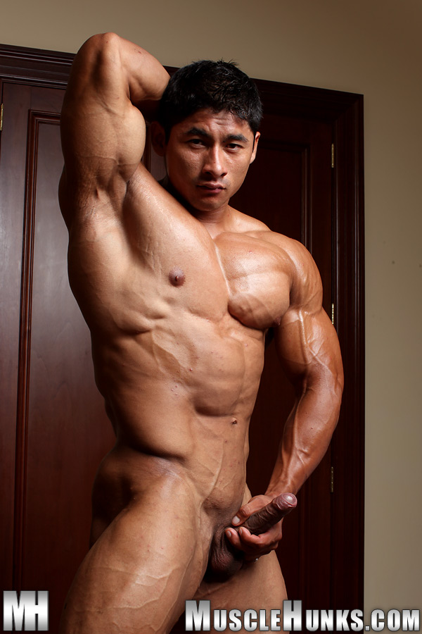 Naked asian muscle guys