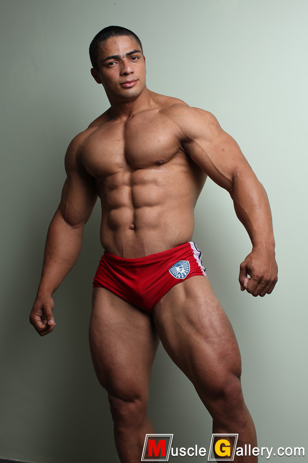 Naked muscle gallery