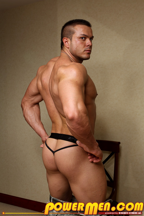 Naked muscle welsh dude — pic 5