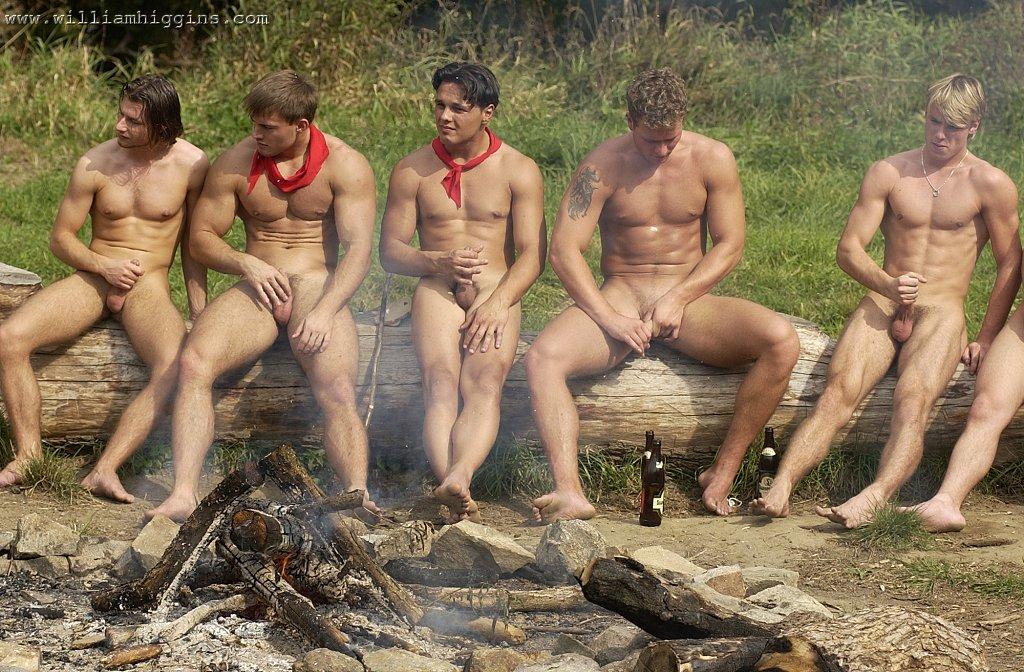 Обнаженные Мужчины Нудисты На Природе