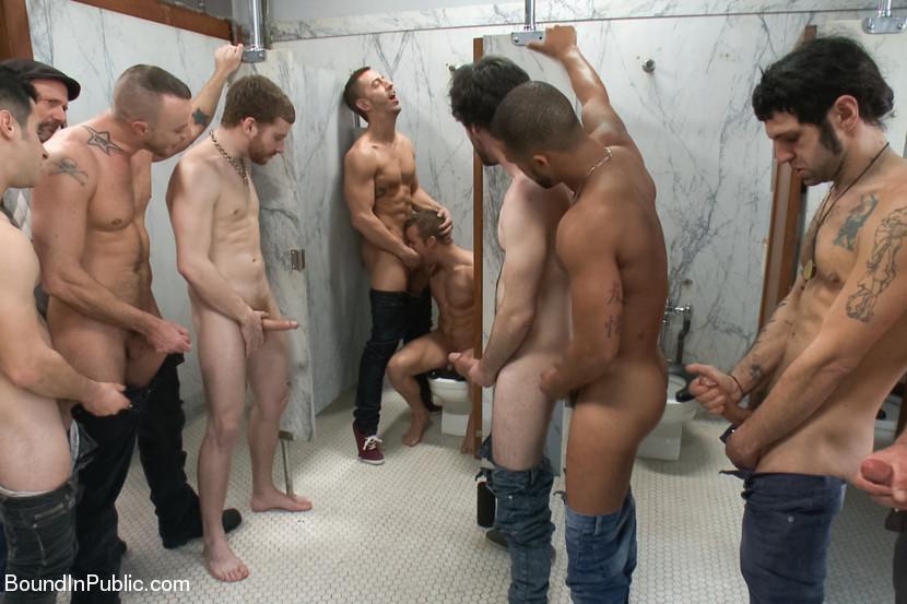 Порно голые публично фото 315-888