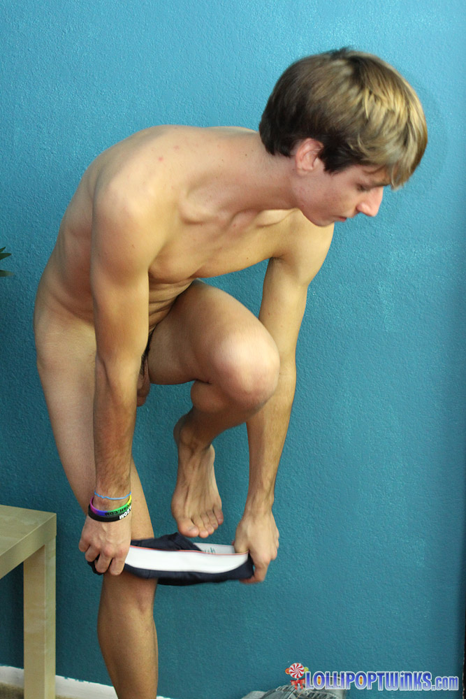 Hot twink nathan stratus ordered a thick 8