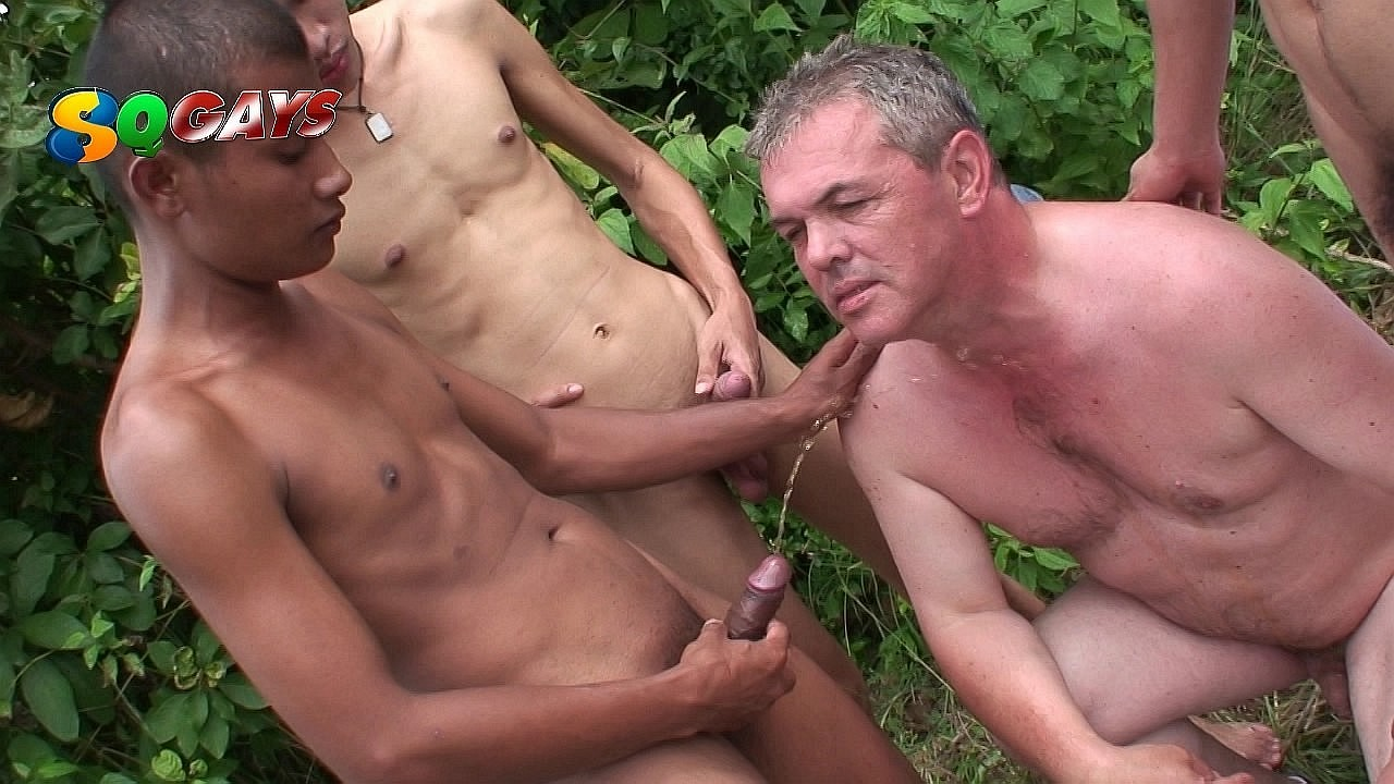 pissing gay boys incontri gay a ct
