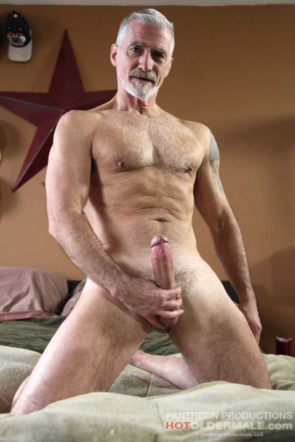 Pictures Of Mature Gay Mne