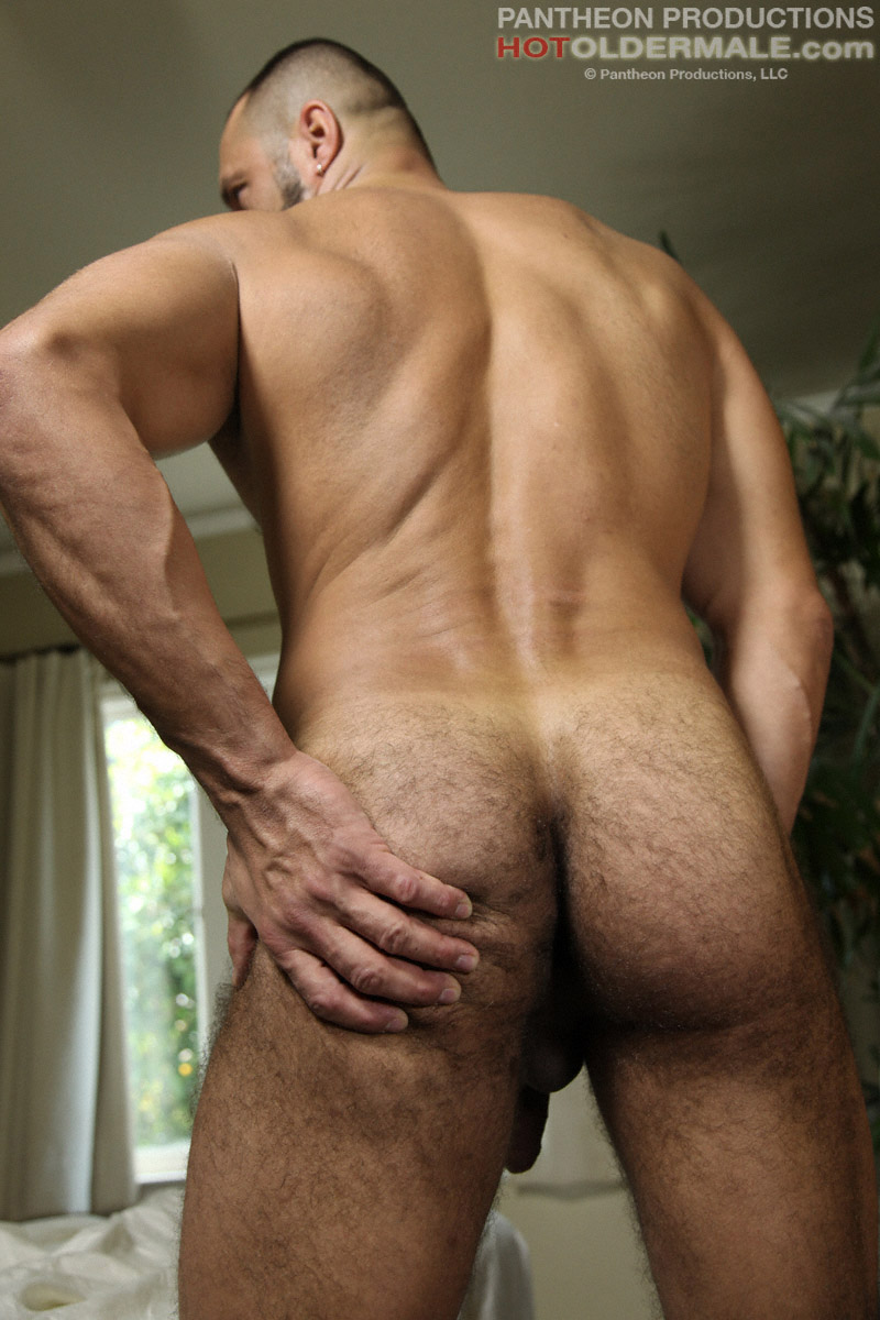 Mature hairy muscle daddy not
