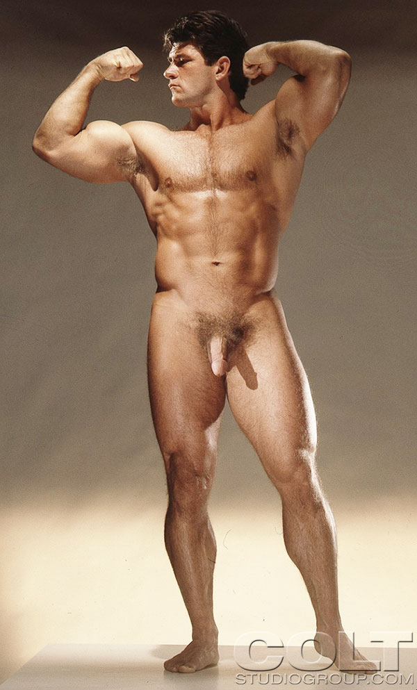 Have Male bodybuilders posing naked