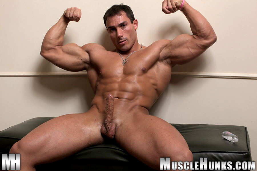 Muscle Hunks - Gilberto Nestore Gallery.
