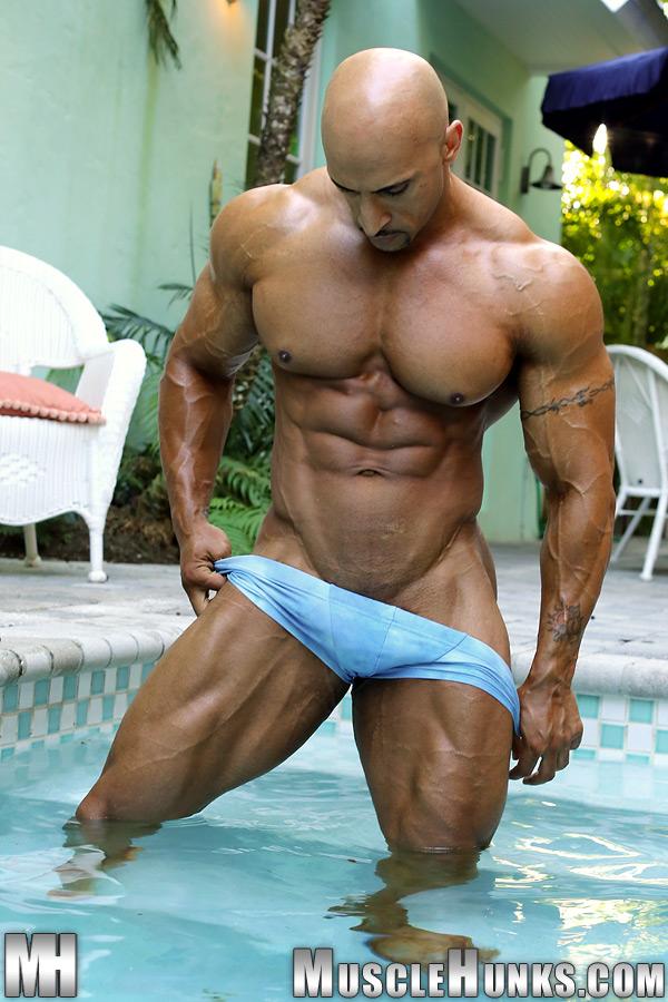 junior asiatique nude