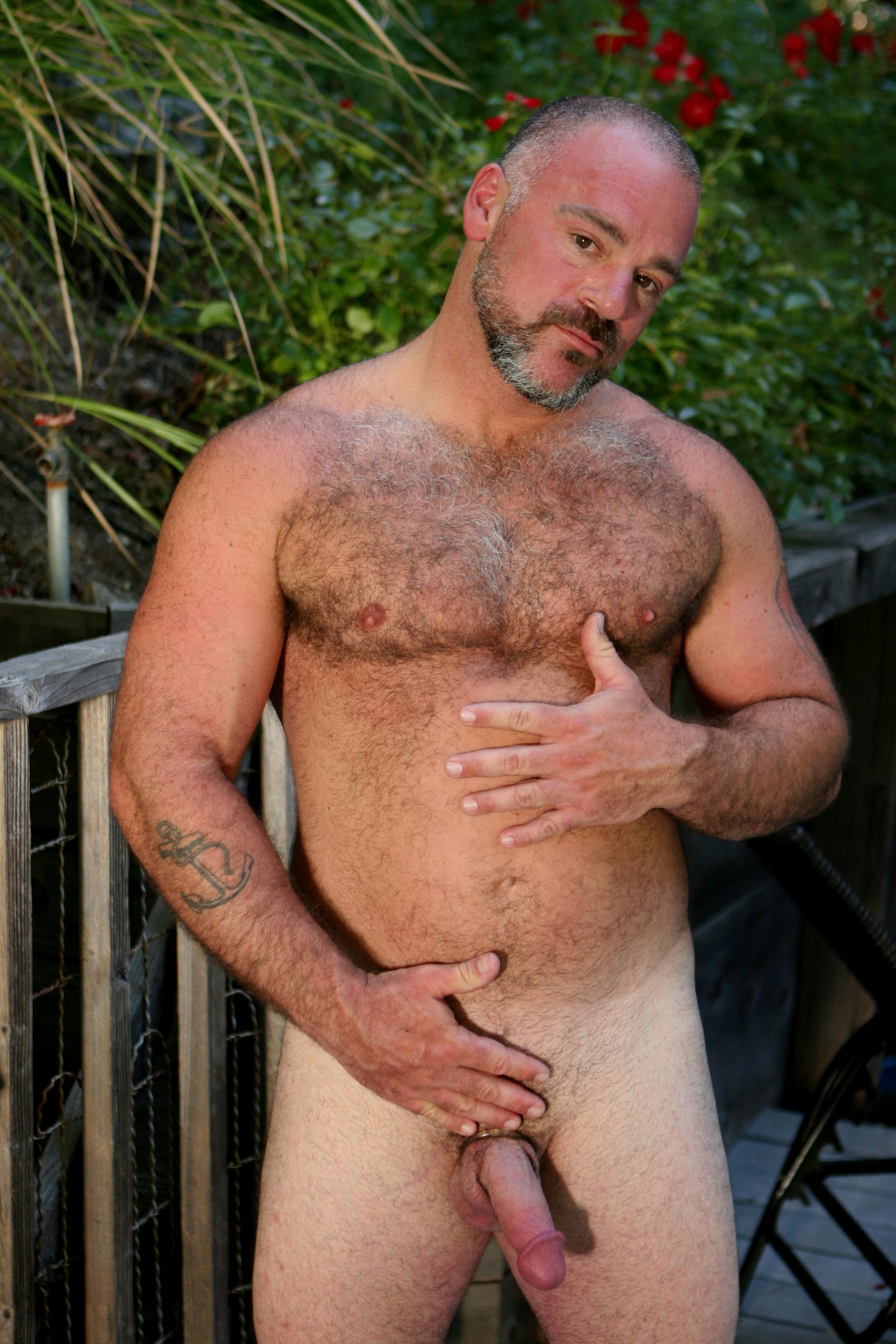 Musclebound Hunk Enjoying Blowjob Outdoors